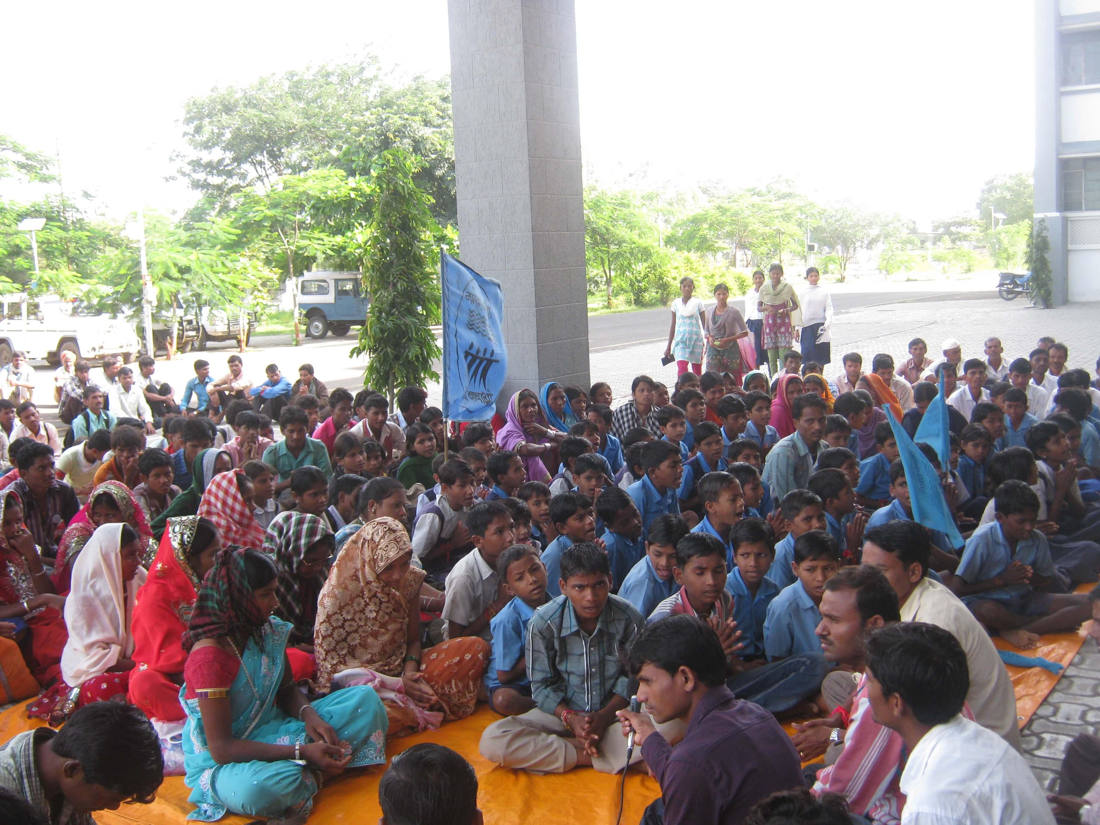Sardar Sarovar Rehabilitation in Maharashtra: Adivasi Rights  Peaceful protest by 1200 adivasis: Police excesses condemnable