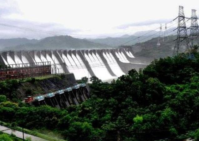 Damning report on rehab in MP hits Sardar Sarovar dam